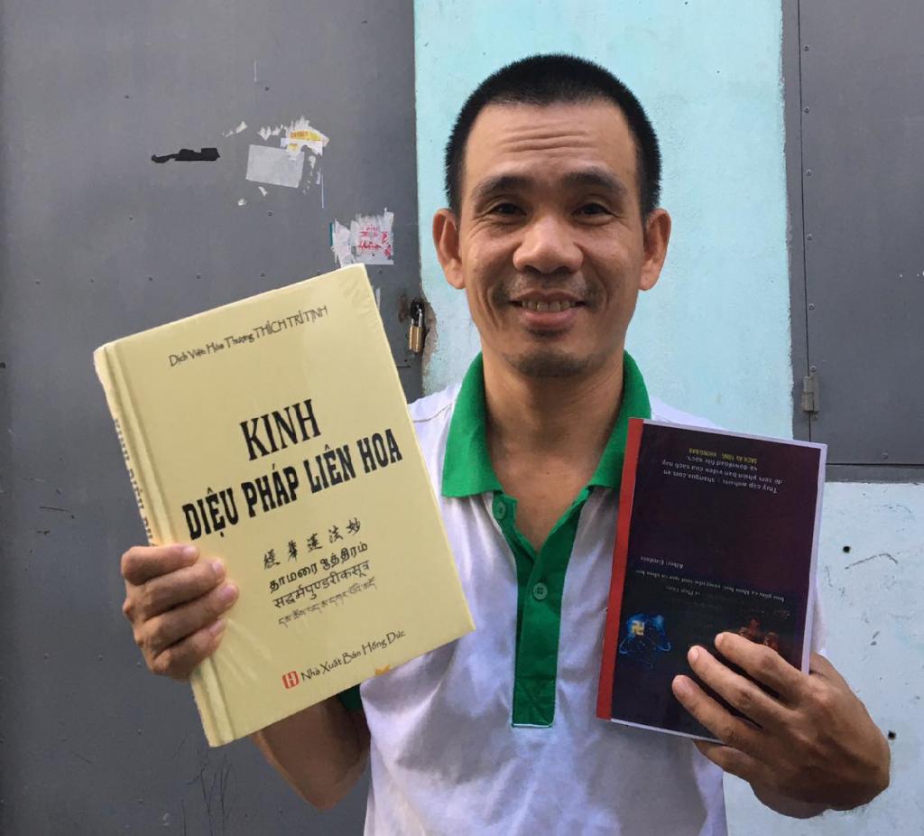 Huong Dan Lay Kinh Dieu Phap Lien Hoa Cho Nguoi Moi Bat Dau
